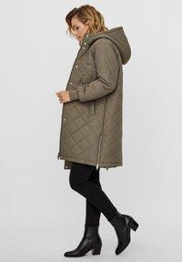 Vero Moda - Winter coat - bungee cord - 1