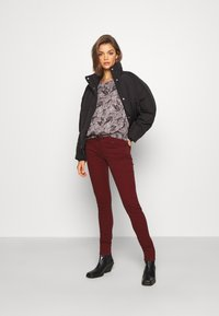 Pepe Jeans - SOHO - Jeans Skinny Fit - currant - 1