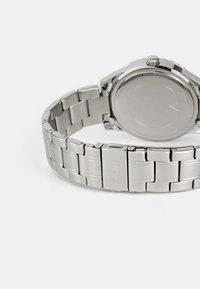 Guess - LADIES DRESS - Reloj - silver-coloured - 1