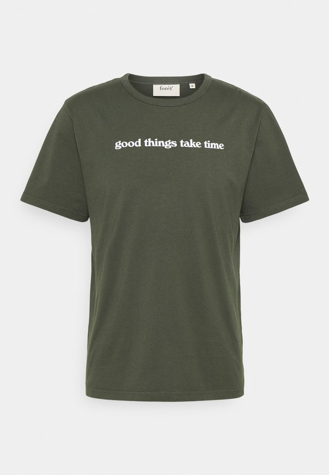 TIME DEEP FOREST - T-shirt con stampa - deep forest