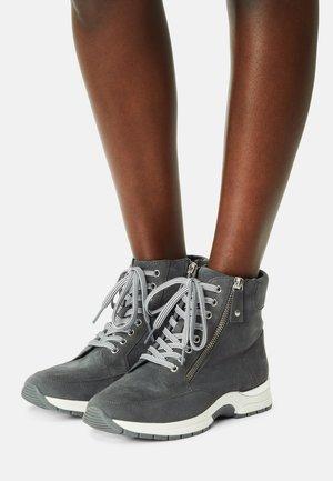 Höga sneakers - granite