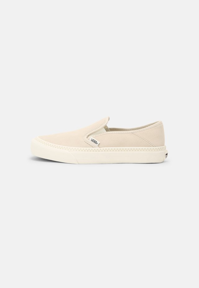UA SLIP-ON SF - Sneakers - leila hurst/sandshell