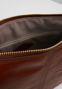 Fossil - JOLIE - Across body bag - brown - 5