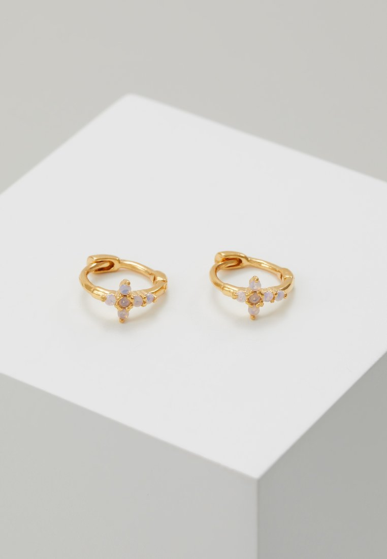 Astrid & Miyu - MYSTIC CROSS HUGGIES - Earrings - gold-coloured