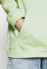 Nly by Nelly - OVERSIZED HOODIE - Hoodie - pistachio - 5