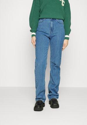 VMKITHY - Straight leg jeans - medium blue denim