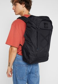 The North Face - INSTIGATOR - Reppu - black - 1