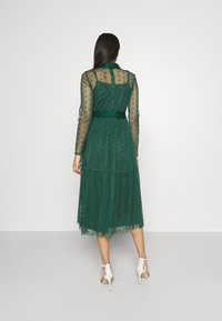 Lace & Beads - ROMANLOLA MIDI - Cocktail dress / Party dress - emerald green - 2