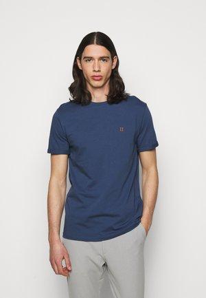 NØRREGAARD - T-shirts - denim blue