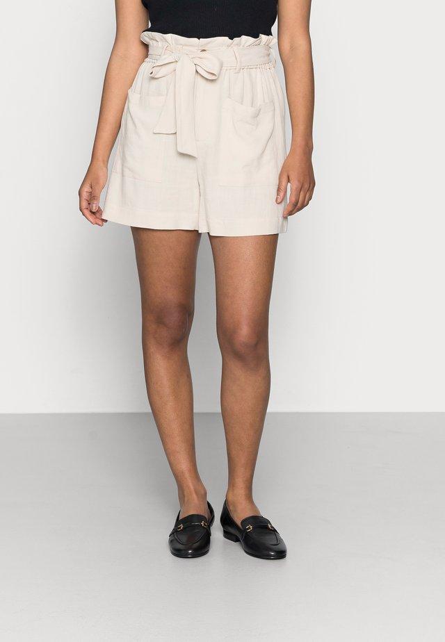 OBJHADY - Shorts - sandshell