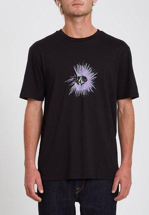 GONY BSC SS TEE - Print T-shirt - black