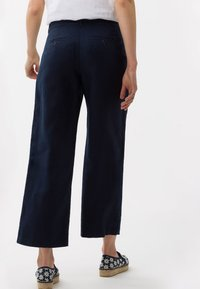 BRAX - STYLE MAINE - Trousers - navy - 2