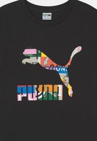 Puma - UNISEX - T-Shirt print - black/multi-coloured - 2