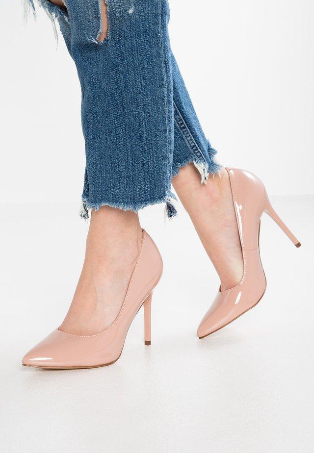 PERLA - Zapatos altos - nude