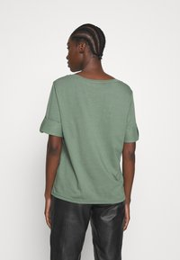 Esprit - TEXTURE - T-shirts med print - khaki green - 2