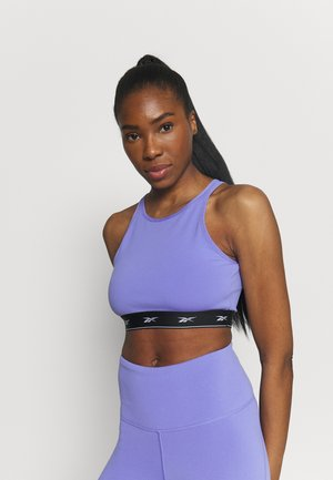 BEYOND THE SWEAT CROP - Medium support sports bra - hyper purple