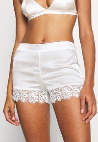 Etam - ROMARIN SHORT - Pantaloni del pigiama - ecru - 0
