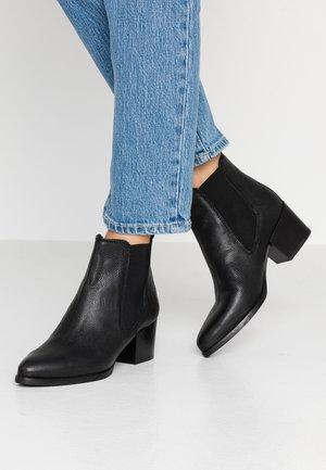 WEN - Kotníková obuv - black