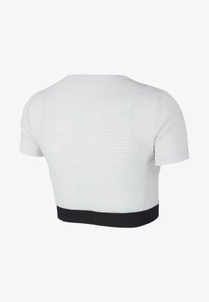 AEROADPT CROP TOP - T-Shirt print - photon dust/black/metallic silver