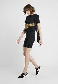 Nike Sportswear - LEGASEE BIKE - Kraťasy - black/white - 2