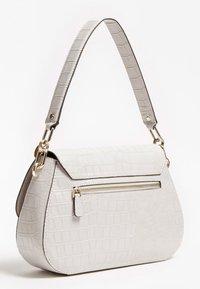 Guess - Handbag - grau - 2