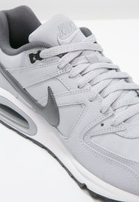 Nike Sportswear - AIR MAX COMMAND - Trainers - wolf grey/metallic dark grey/black/white - 5
