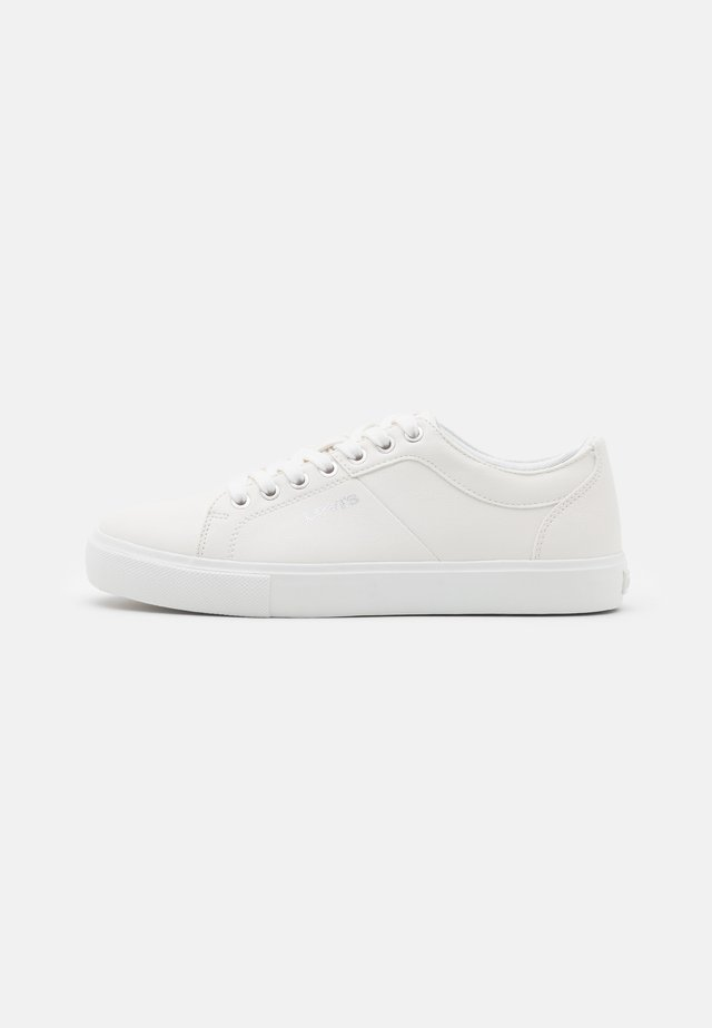 WOODWARD  - Trainers - brilliant white