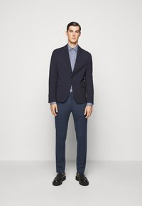 Tiger of Sweden - THODD - Suit trousers - misty blue - 1