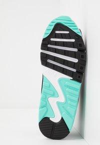 Nike Sportswear - AIR MAX 90 - Sneakersy niskie - white/particle grey/light smoke grey/hyper turquoise/black - 5