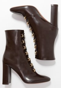 L'Autre Chose - High heeled ankle boots - dark brown - 3