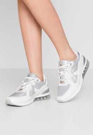 ELANE - Sneakersy niskie - white