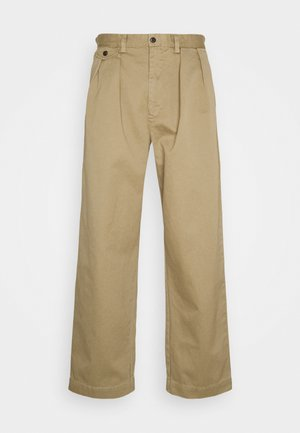 RELAXED FIT BRITON PANT - Pantalon classique - burmese tan
