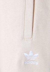 adidas Originals - Teplákové kalhoty - desert dust - 7