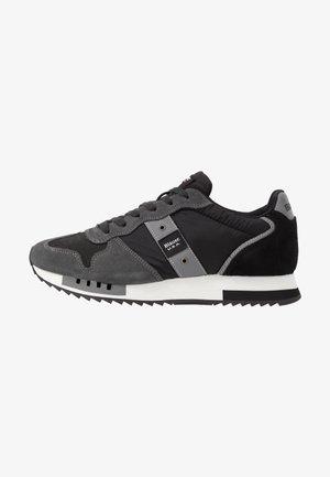 QUEENS - Sneakers - black