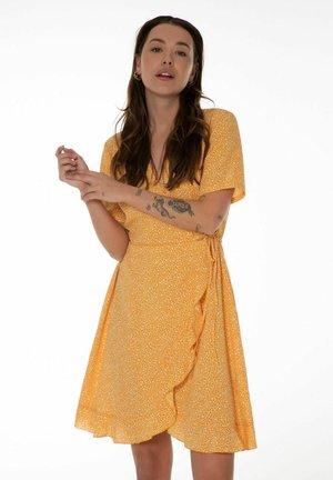 OKARA  - Denní šaty - bee