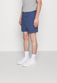 Polo Ralph Lauren - 6-INCH POLO PREPSTER TWILL SHORT - Shorts - rustic navy - 0