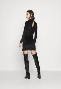Glamorous - LONG SLEEVE DRESS - Shift dress - black - 2
