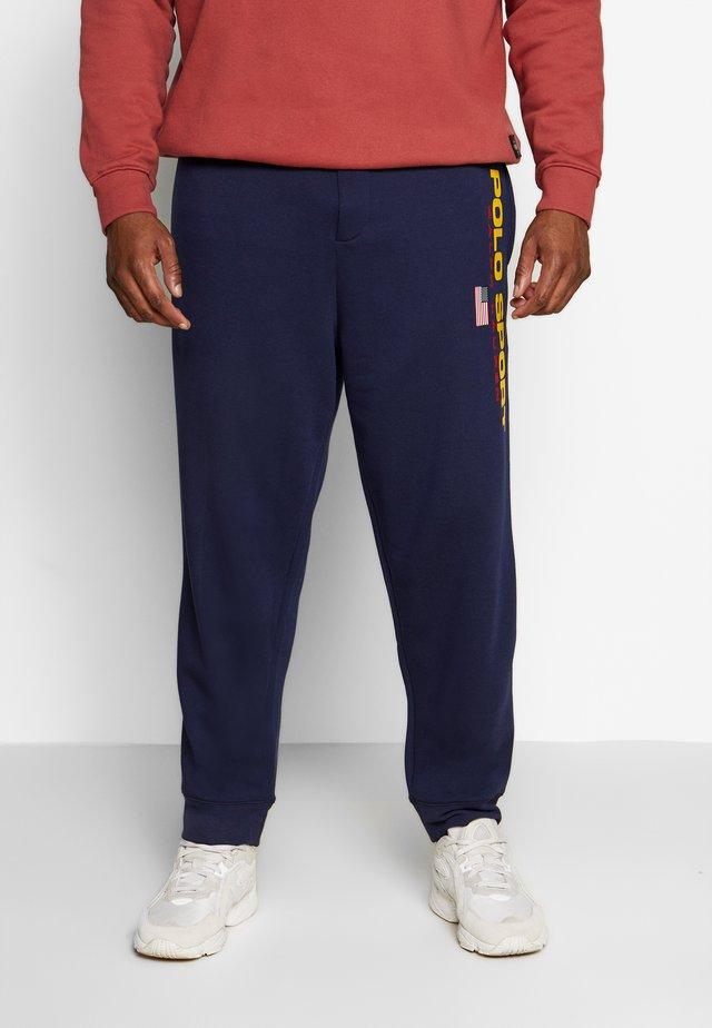 Pantalones deportivos - cruise navy