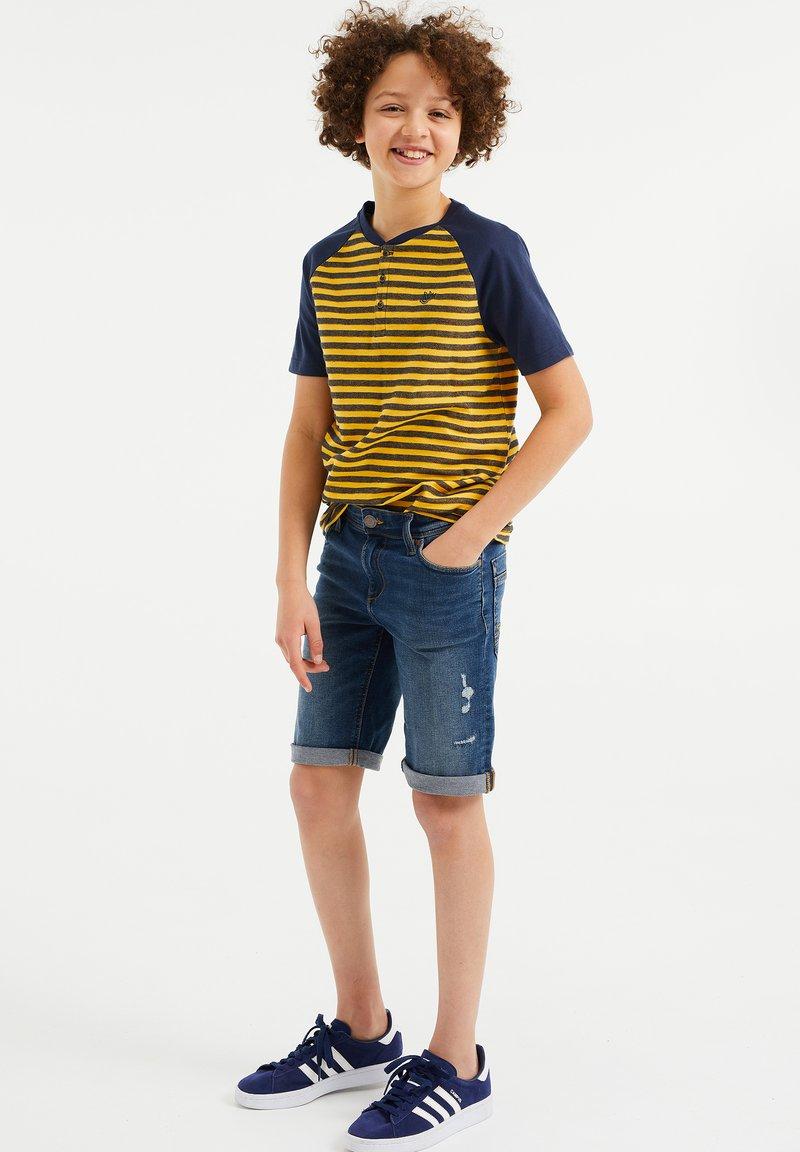 WE Fashion - Shorts di jeans - blue