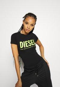 Diesel - BODYTEE BODY - T-shirt con stampa - black - 0