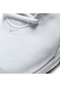 Nike Performance - AIR MAX VOLLEY - Allcourt tennissko - white/silver - 6