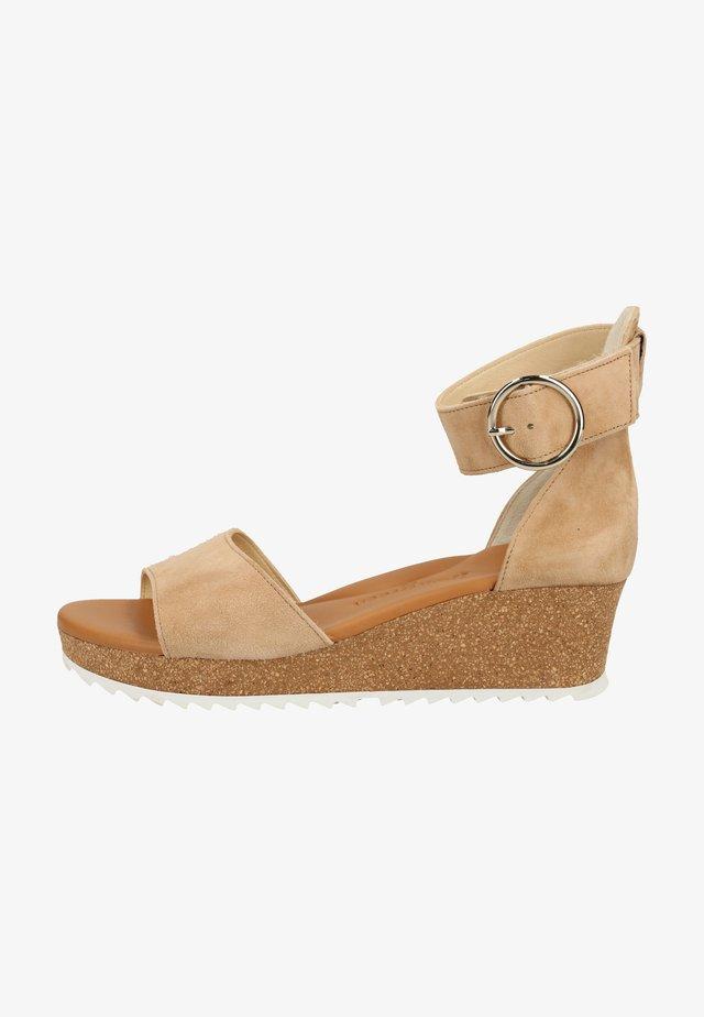 Korkeakorkoiset sandaalit - beige 006