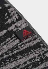 adidas Performance - FC BAYERN MUNICH COTTON TOWEL - Håndkle - black - 2