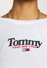 Tommy Jeans - ESSENTIAL LOGO LONGSLEEVE - Long sleeved top - white - 4
