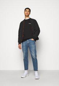 Han Kjøbenhavn - CASUAL CREW - Sweatshirt - black - 1