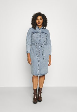 PCNAMIR SHIRT DRESS - Dongerikjole - light blue denim