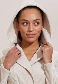 Odd Molly - HELENA - Zip-up sweatshirt - ash - 2