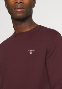 GANT - CREW - Stickad tröja - port red - 5