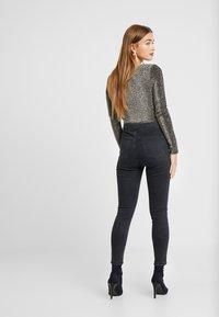 Topshop Petite - JONI CLEAN - Jeans Skinny Fit - black - 2