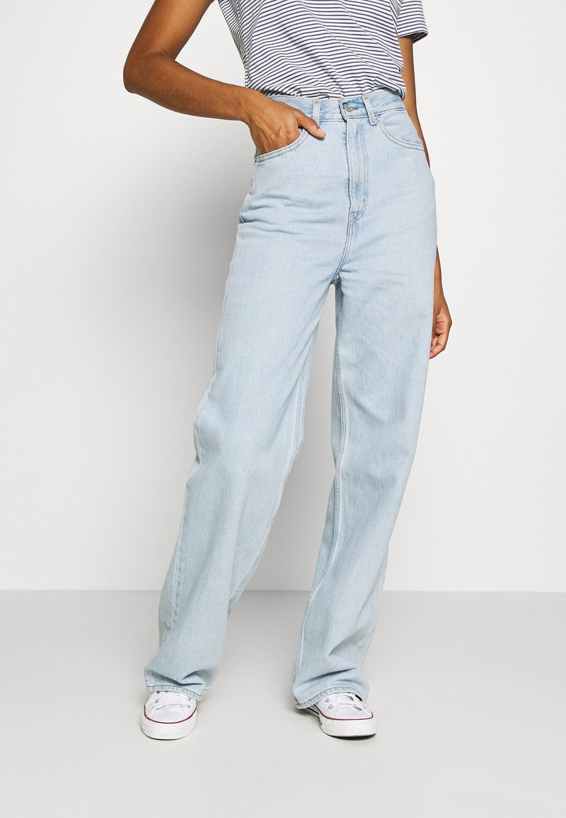 Levi's® - HIGH LOOSE - Flared jeans - light indigo - flat finish